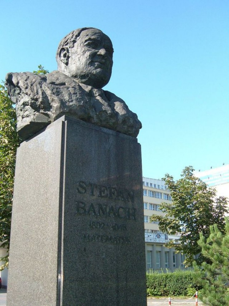 Stefan Banach monument