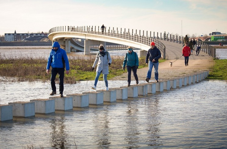 This Bridge in the Netherlands is Designed to Embrace Flooding
