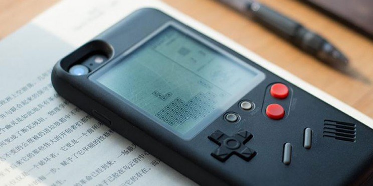This Case Turns Your iPhone into a Classic Gaming Console