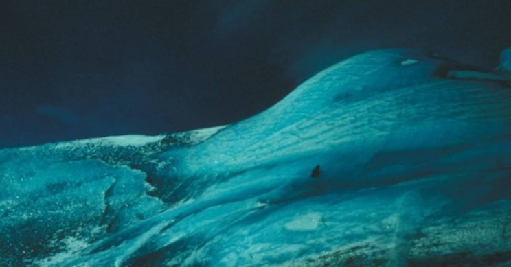 Decades-Long Mystery About Green Icebergs May Be Solved
