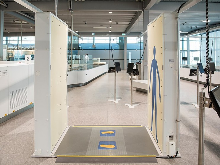 myths about x-rays airport
