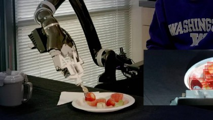 This New Robot Can Feed You Your Dinner