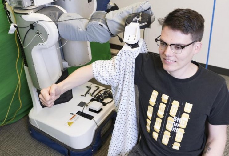 This Robot Could One Day Help Hospital Patients Get Dressed