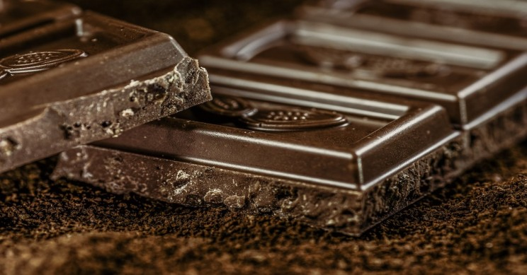 Scientists Find Compound in Red Wine and Dark Chocolate Could Reverse Ageing