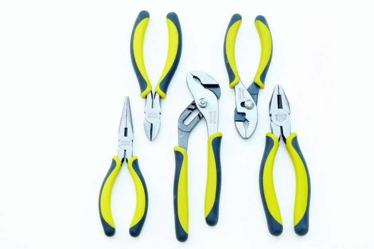 9 Pieces of Equipment Indispensable to Every DIYer