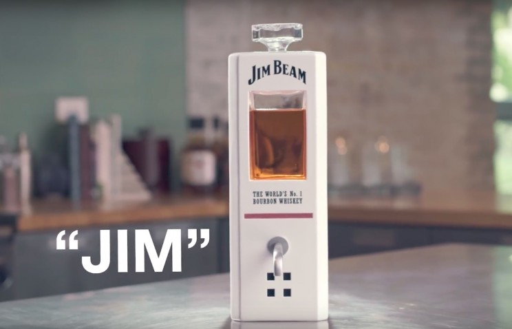 This Personal Smart Decanter Could Pour You Your Next Shot of Bourbon