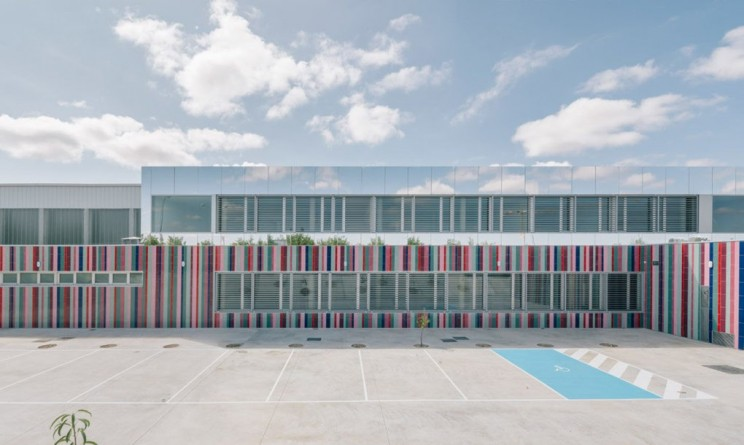 Architects Used Mirrors to Make This School in Spain Disappear into the Sky