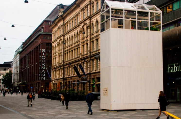 This Insanely Skinny Tiny Home Easily Fits Inside a Parking Space