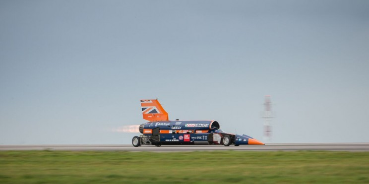 Bloodhound SSC Reaches 210mph in Its First Public Test Before 1,000mph Land Speed Record Attempt
