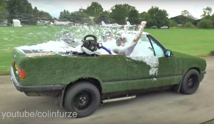 This YouTuber Just Turned a BMW E30 into a Drivable Hot Tub