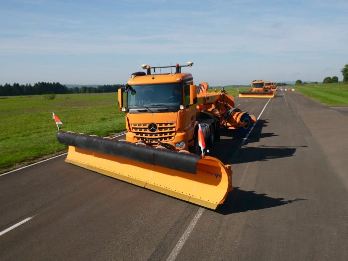 Daimler Has Revealed Its Fleet of Autonomous Snow Plow Trucks for Airports