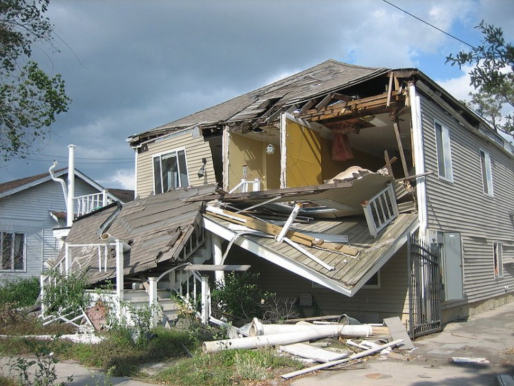 How to Prepare Your House and Life for Hurricane Season