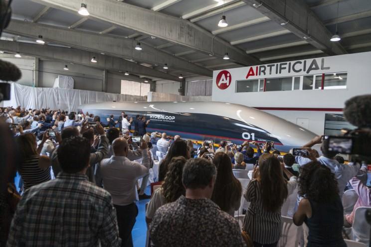 hyperlooptt pod capsule unveiling first