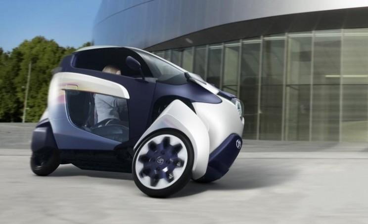 i-ROAD Toyota electric vehicle