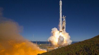 SpaceX Successfully Launches the First of Two Falcon 9 Rockets in Three Days