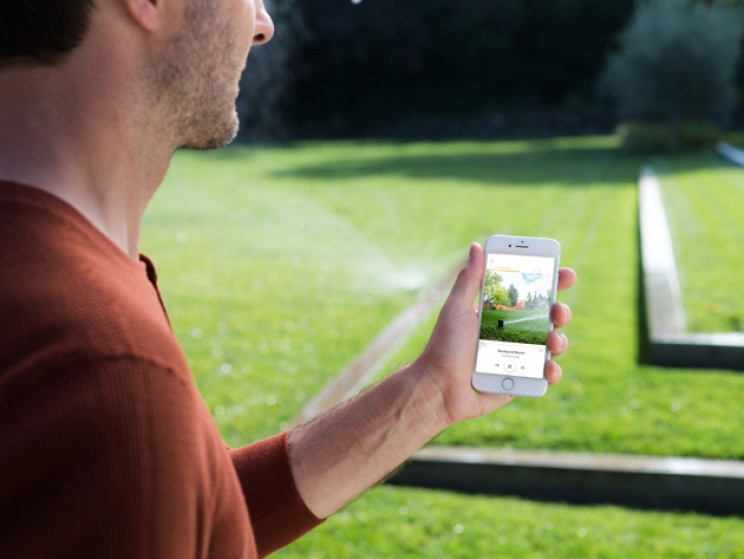 Reduce Your Water Bill by 50% with This Smart Sprinkler Controller
