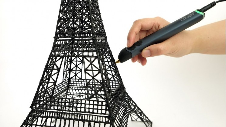 A 3D doodle pen takes your sketches to the next dimension.