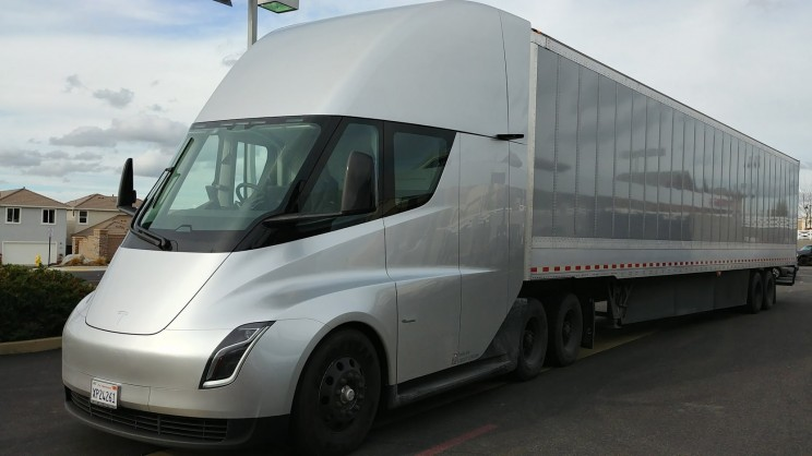 The New Tesla Semi Electric Truck: A Pre-Production Review