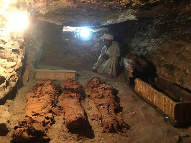 Archaeologists Unearth A 3500-Year-Old Tomb Filled with Mummies in Luxor