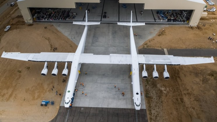 Stratolaunch: The World's Biggest Plane Just Started Its Six 747 Engines