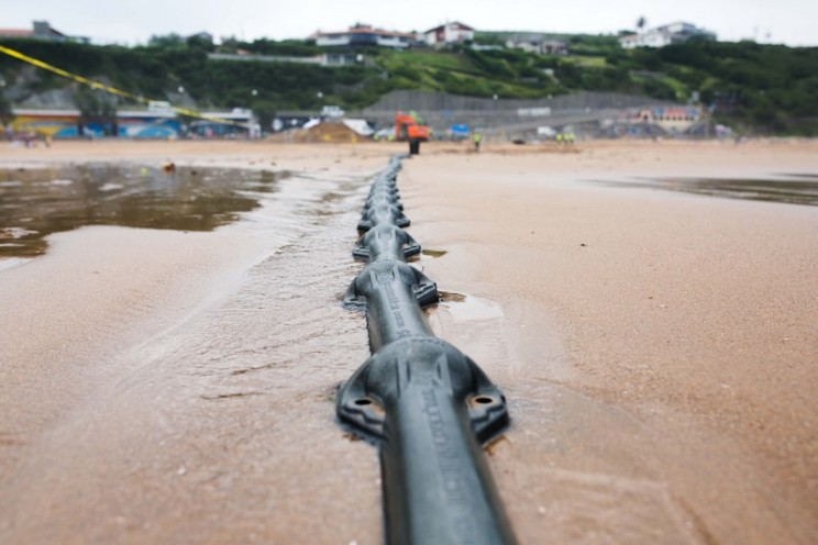 Microsoft and Facebook Just Laid a 6,600 km Cable Across the Atlantic Ocean