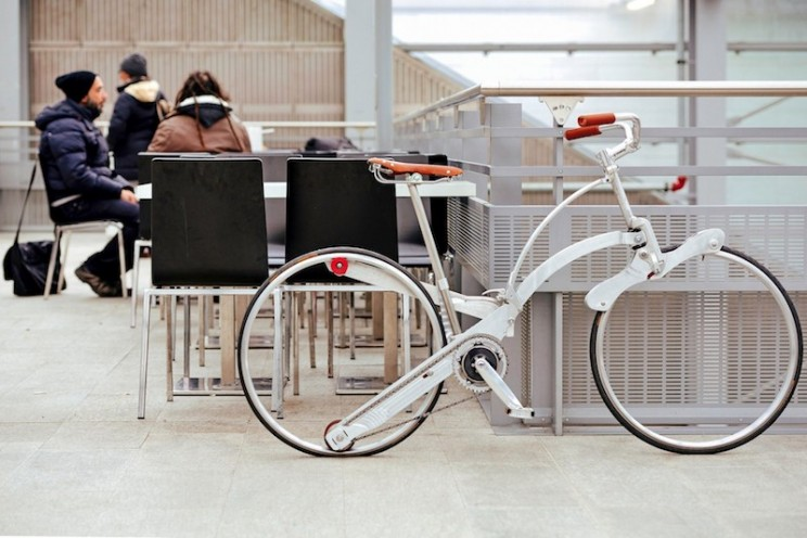 This Hubless Folding Bike Can Easily Fit In Your Backpack