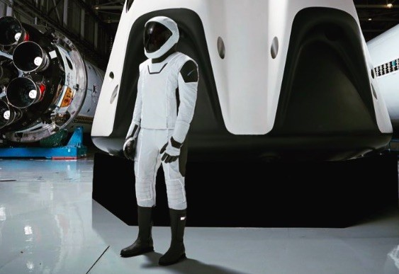 Elon Musk Just Revealed the First Full-Body Look of SpaceX Spacesuit