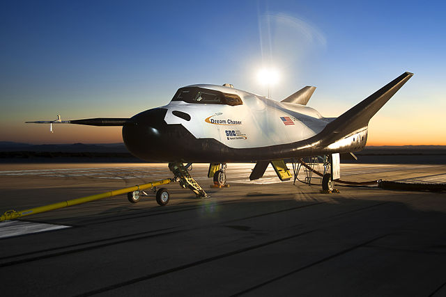 640px-Dream_Chaser_pre-drop_tests.6