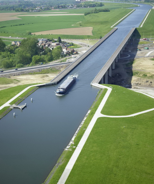 pont_canal_du_sart_1366_m