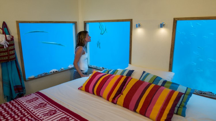 manta-resort-underwater-room11