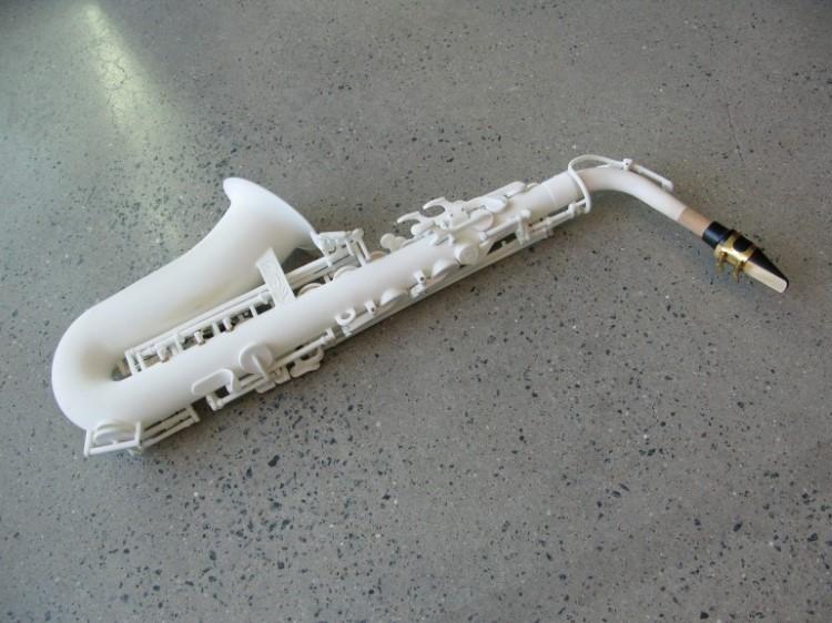 odd-3d-printed-saxophone-2