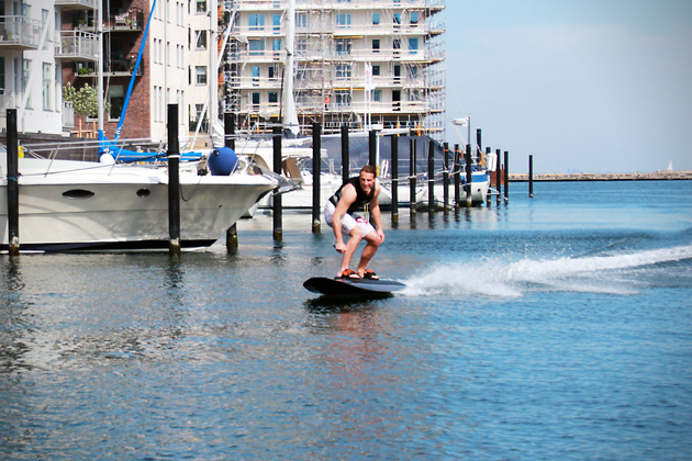Radinn-Electric-Wakeboard-2