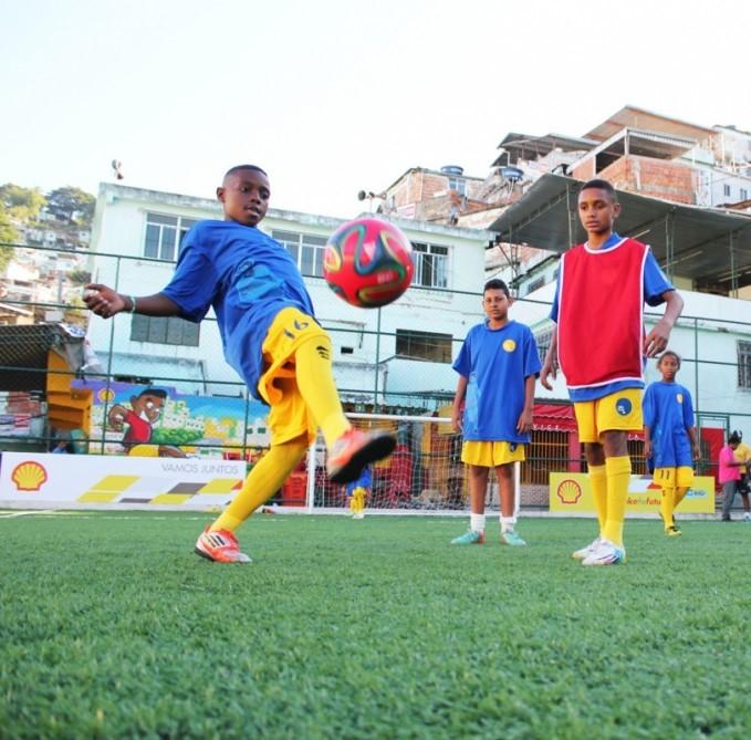 pavegen-shell-soccer-brazil-3