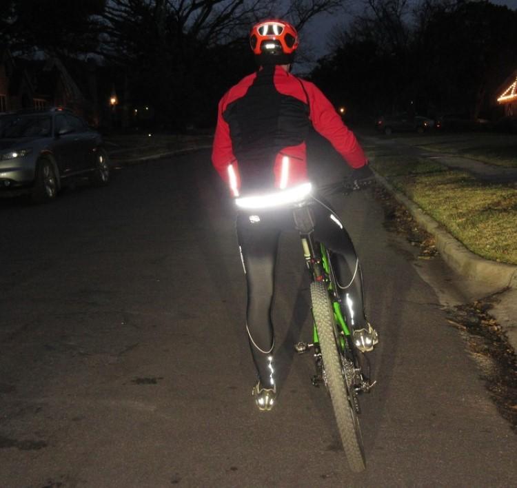 mighty-click-wearable-bike-lock-3