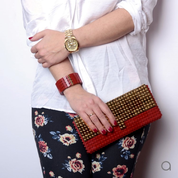 Handbags-made-with-the-worlds-most-famous-toy-bricks.1__880