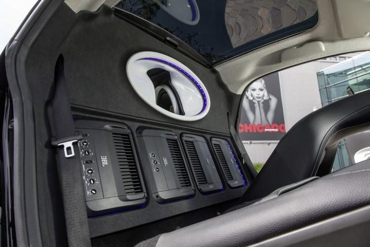 smart-fortwo-jbl-sound-system-4