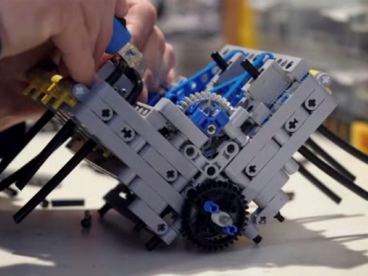 Pneumatic-V8-Engine-Build-610x458