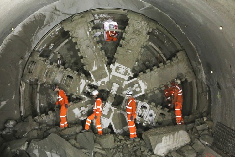 crossrail-tunneling-complete-10