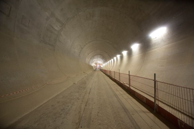crossrail-tunneling-complete-6