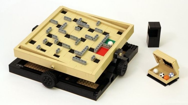 lego-ideas-labyrinth-marble-maze-1