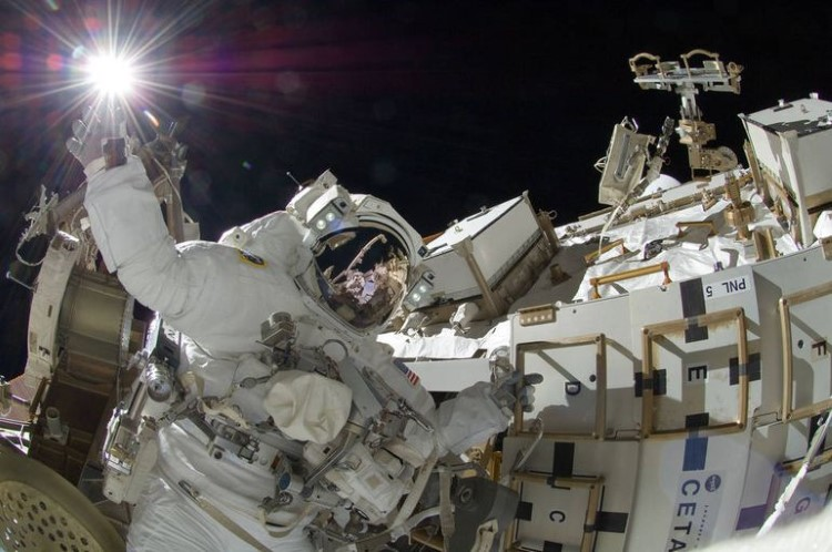 nasa-spacewalk-gallery-14