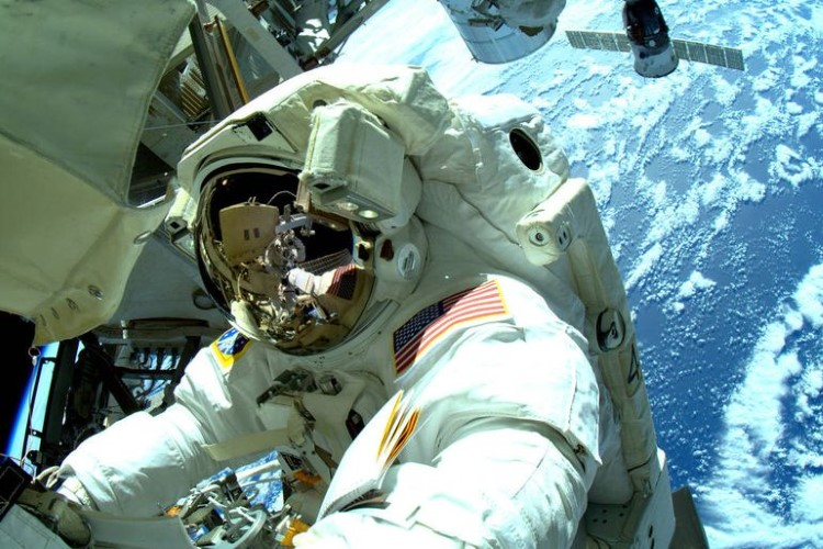 nasa-spacewalk-gallery-7