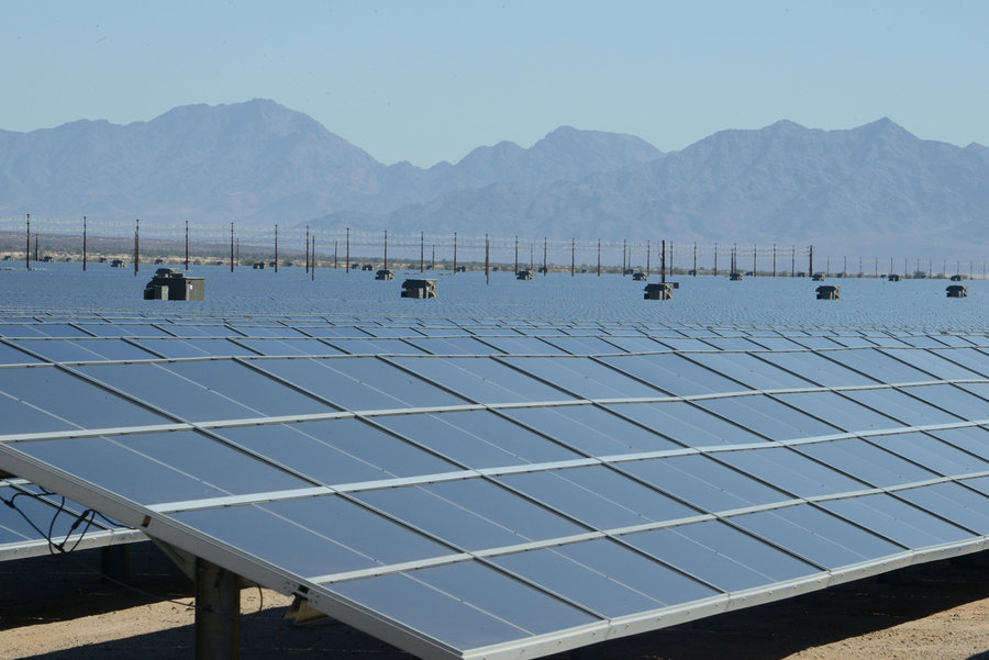 rsz_sunlight_solar_farm_us_dep_of_interior