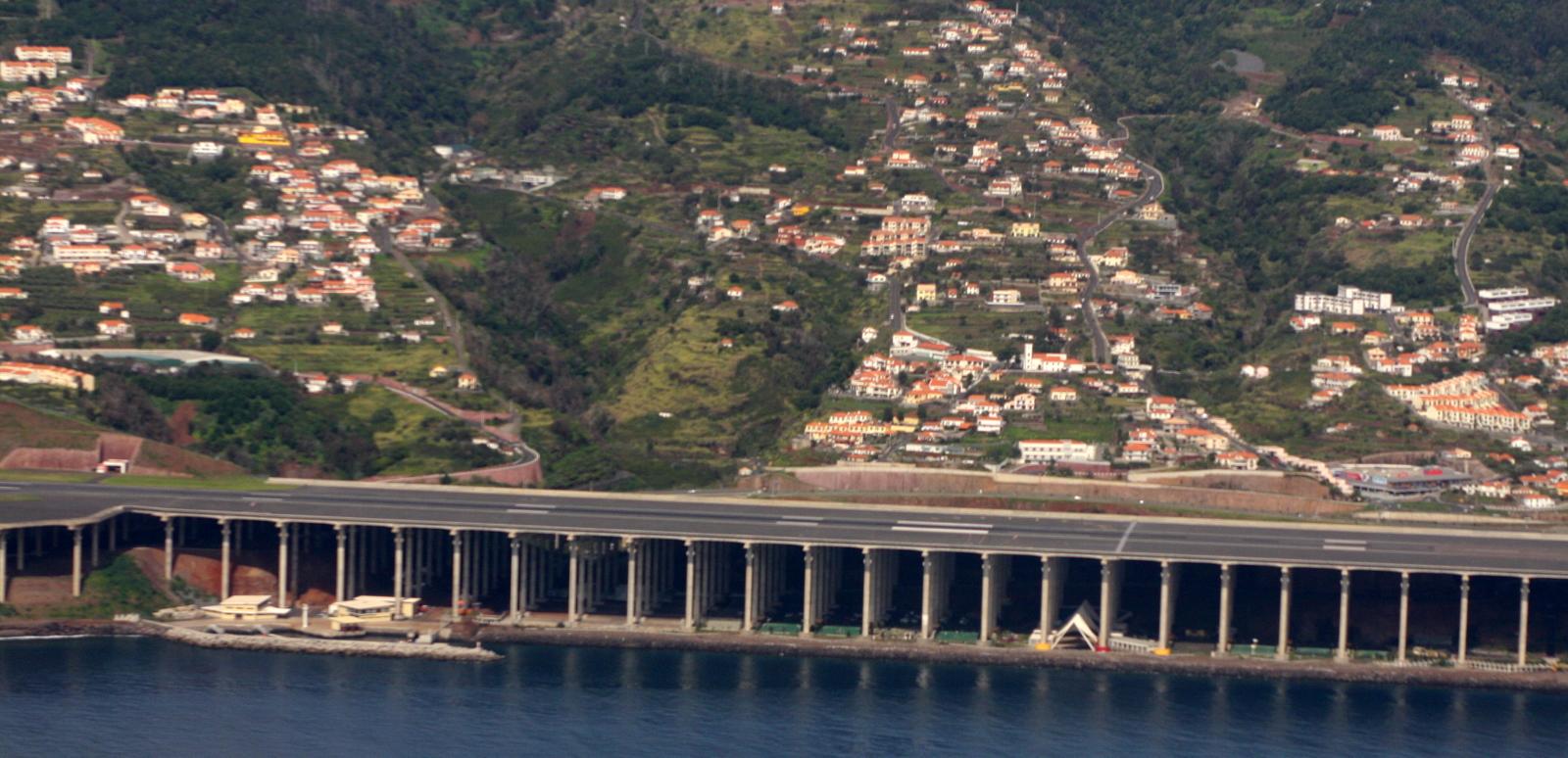 Aeroporto da Madeira_runway structure