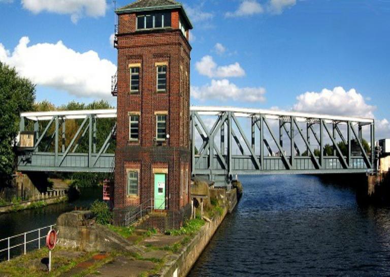 Barton_Swing_Aqueduct