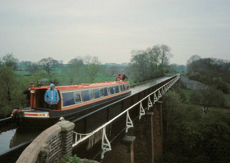 Edstone_Aqueduct_-_geograph.org.uk_-_3786