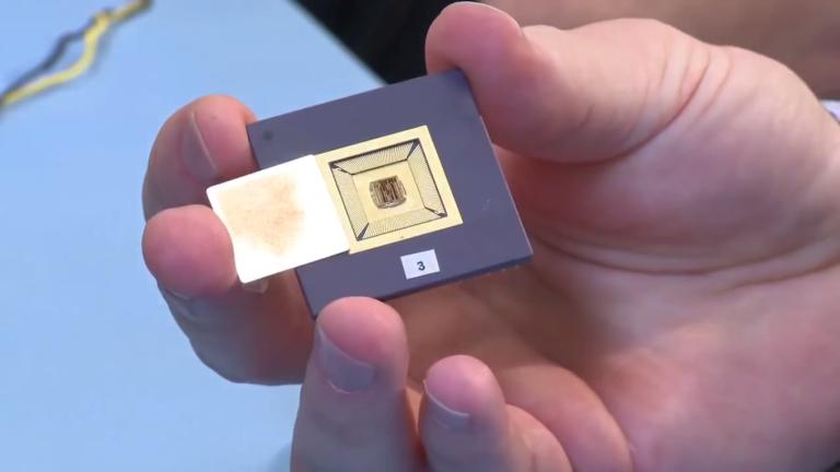 bionic-eye-processing-chip