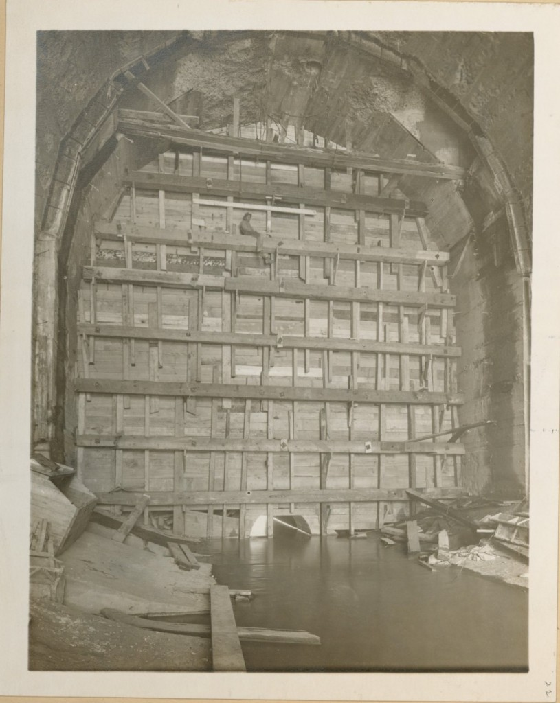 Catskill_aqueduct_support_structure_construction