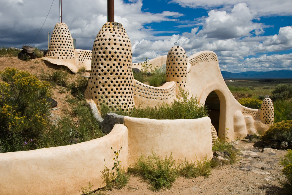rsz_earthship_visitors_centre_taos_new_mexico_rong_flickr