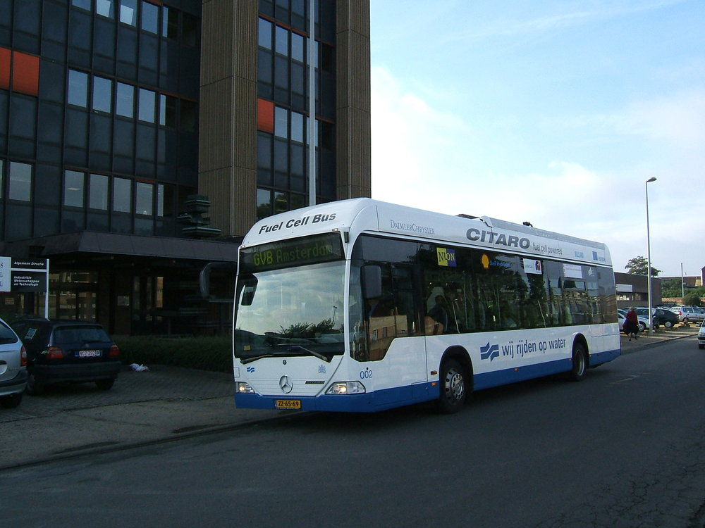 rsz_lhoon_flickr_cute_fuel_cell_bus_amsterdam